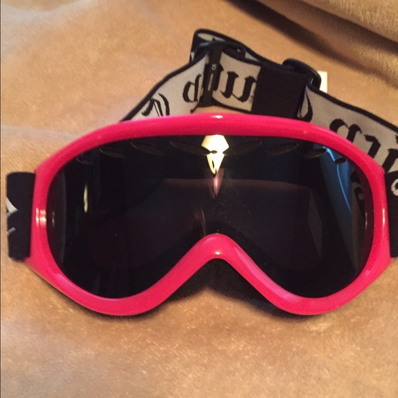 481651a96354 🎉FLASH SALE🎉Juicy couture snow goggles