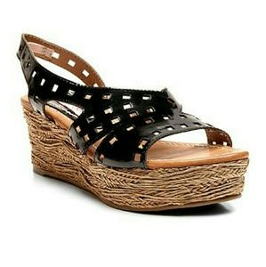 2 Lips Too Shoes - 2 Lips Too Platform Sandals