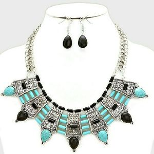 TRIBAL HOWLITE STONE BEAD FAN BIB NECKLACE