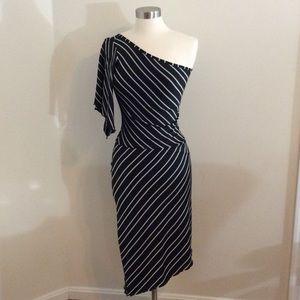 Arden B Dresses & Skirts - Adorable One Shoulder Arden B | Size M