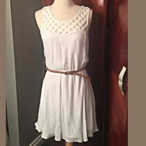 Lily Rose Dresses & Skirts - White lattice belted dress
