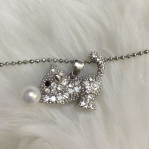 Kawaii cat necklace with pearl
