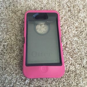 OtterBox Accessories - Pink Otterbox for IPhone 4/4s