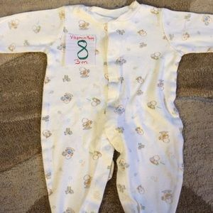 Other - Girls 3M footed pajamas *Vitamin Baby