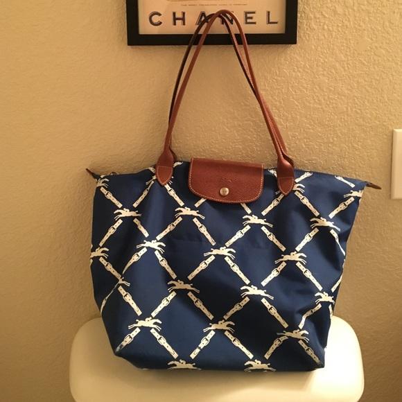 367281be861e Longchamp Handbags - Longchamp