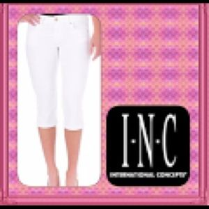 CLEARANCE INC Capri Cropped Pants
