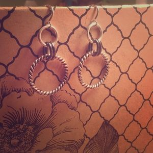 Jewelry - Silver dangly earrings