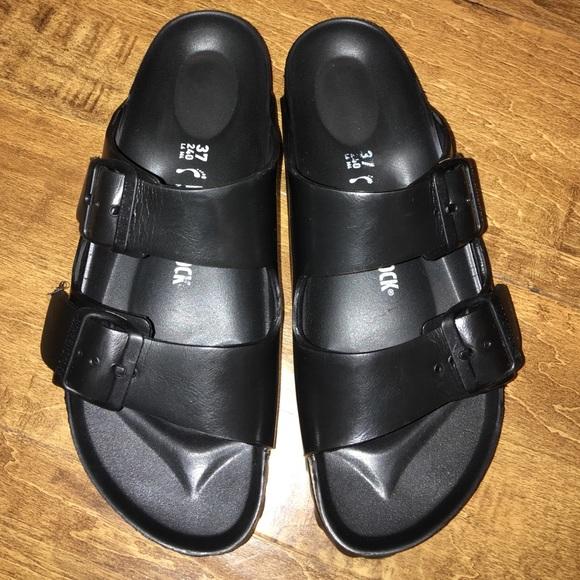 66739a1c9731 Birkenstock Shoes - Birkenstock essentials arizona rubber sandal 37-6
