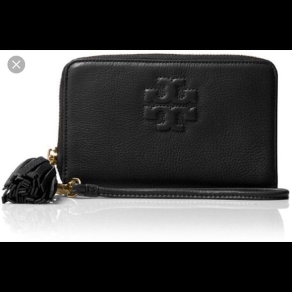 0e7925c7e7 Tory Burch Bags | Thea Black Leather Wallet Wristlets | Poshmark