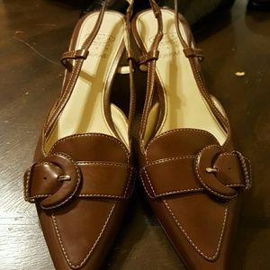 Joan & David Shoes - 😍NEW PRETTY JOAN &DAVID BROWN SLING BACK HEELS