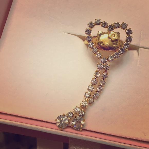 "off Sanrio Other Sanrio Japan ""Hello Kitty"" fine gold heart"