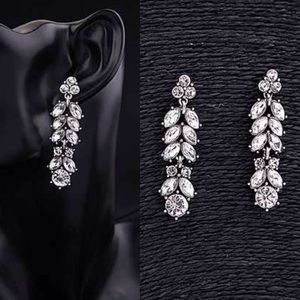 ❣NEW IN❣ Long Crystal Dangle Stud Drop Earrings