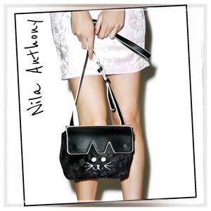 "Nila Anthony Handbags - ✨Nila Anthony ""So Catty"" Bag✨"