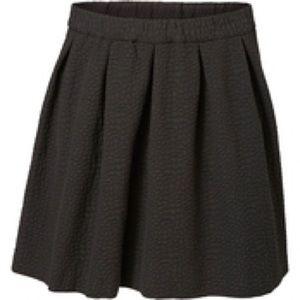 Junarose Dresses & Skirts - Black Skater Style Skirt