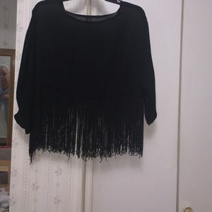 Tops - Gorgeous fringe  top- good condition.🌹