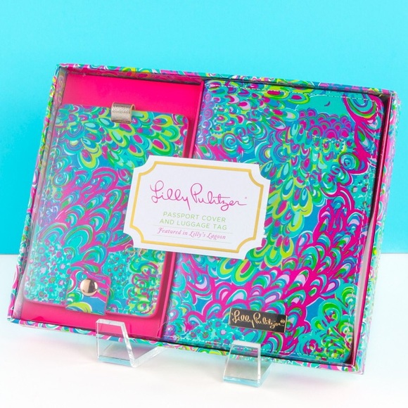 Lilly Pulitzer Accessories Passport Cover And Luggage Tag Poshmark