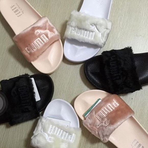 1422a65d935 Puma Fenty Rihanna Slides. M_578fc69fb4188e293d001736