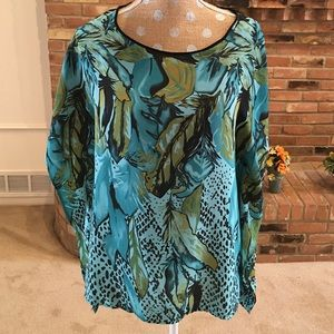 Flowing blue green top w/ black trim