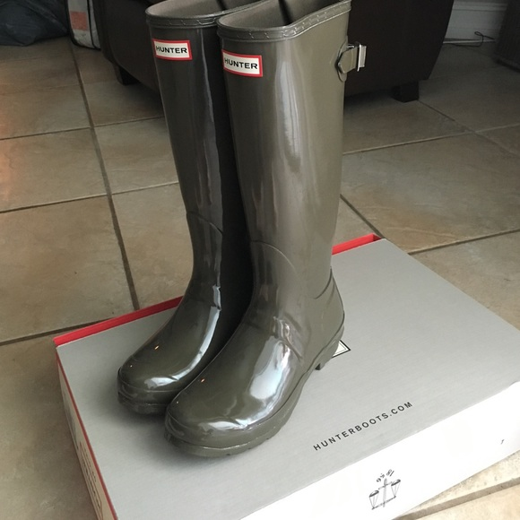 45% off Hunter Shoes - Swamp Green Hunter Boots Size 7 from ...