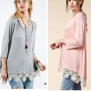 •GRAY scalloped lace tunic•