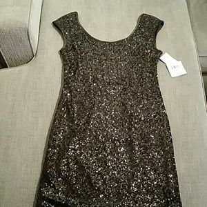 Muse Dresses & Skirts - NWT MUSE Sequin dress