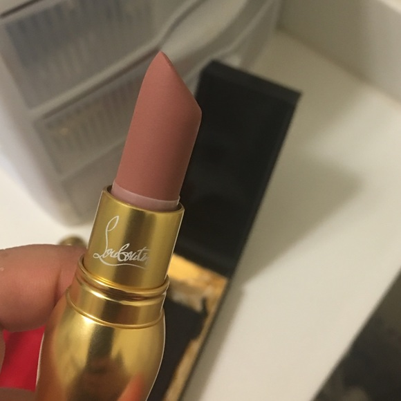 christian louboutin beaute just nothing matte lip colour
