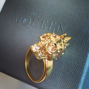 Alexander McQueen Small Punk Skull Ring
