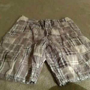 LIKE New brown  Plaid Shorts Size 32 Waist