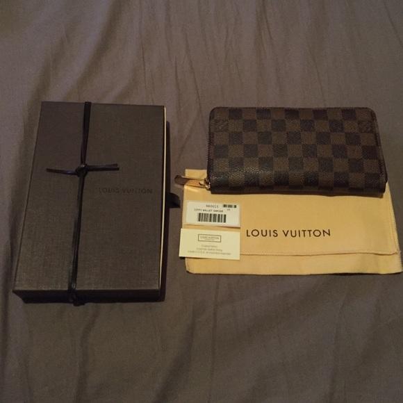 41d3142d380e Louis Vuitton Handbags - Louis Vuitton Zippy Wallet Damier Ebene