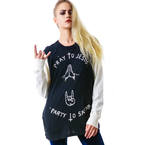28d75c7b Unif Pray Party Muscle Tee. M_57904b34680278850600ae94