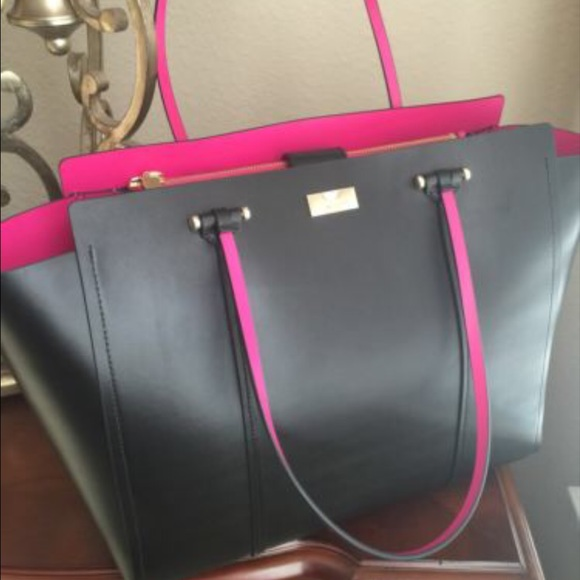 kate spade Handbags - FLASH SALE Kate Spade Black and Pink Purse d17704e99391f