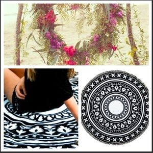Influence Other - 🌿🌻 boho blk white tapestry towel