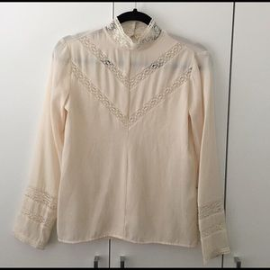 b280320c5c88f Zara Tops - Zara romantic lace blouse xs