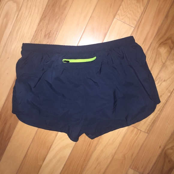 86% off Old Navy Pants - 🌚 Old Navy Active Go Dry Running ...