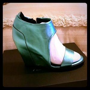 YES Shoes - YES Metallic Turquoise wedge