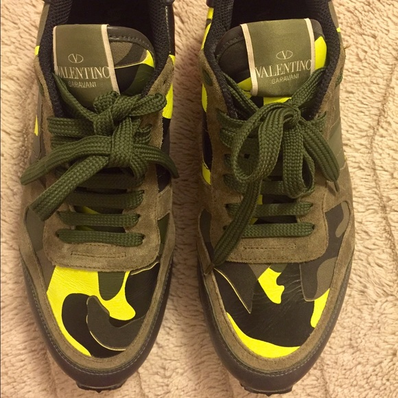 eaaa2fb2ab Valentino Rockrunner Camouflage sneaker Size 38. M 579109c28f0fc4dfa000720c