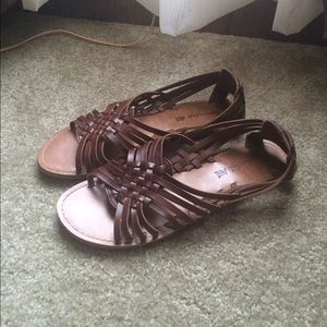 American Eagle by Payless Shoes - Brown Sandals 🌸