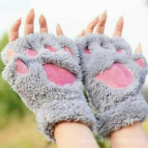 angelochekk boutique  Accessories - NWT Warm Hand Fuzzy Thick Bear's Paw Cat