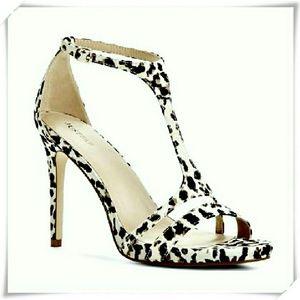 JustFab Shoes - 👠💐 Cynthia sandals heels in animal print.