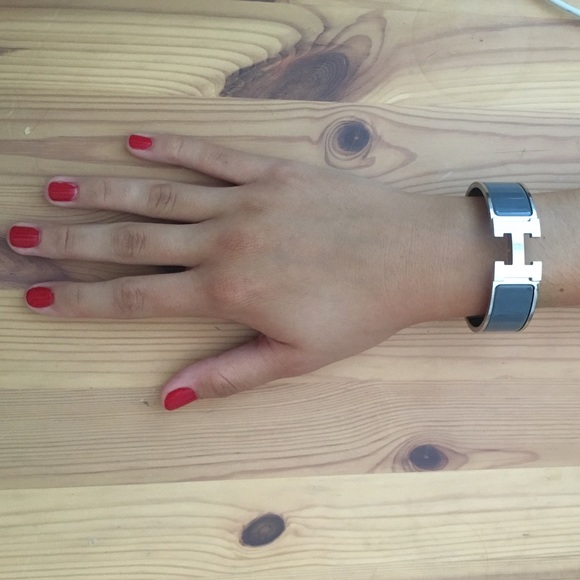 51 off hermes jewelry sale authentic hermes clic clac h bracelet size pm f - Dimensions clic clac ...