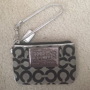 🚨SALE🚨Black and Silver Coach Wristlet