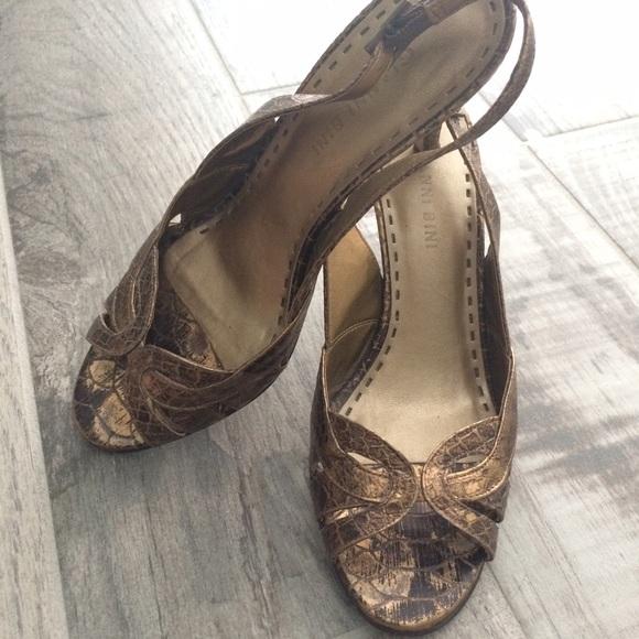 Gianni Bini Shoes - Gianni Bini bronze heels