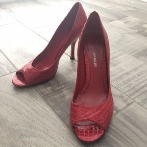 Beautiful candy apple red peep toes!