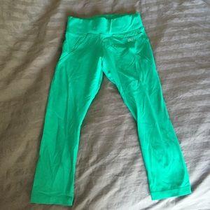 24a8a509d64d6 Lorna Jane Pants - Lorna Jane 7/8 Green workout tights