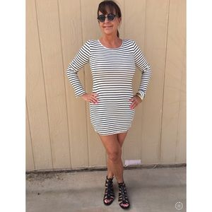 🆕LISTING Black Striped T-Shirt Dress