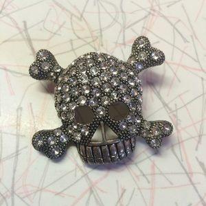 Jewelry - Rhinestone Skull Brooch
