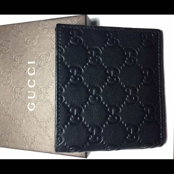 05dc8c345d8 Gucci men s wallet