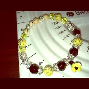 Jewelry - Bumble bee charm bracelet