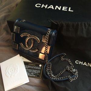 Chanel boy brick bag nevy lambskin