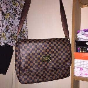 Louis Vuitton Handbags - A beautiful vintage L.V bag